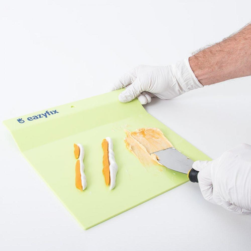 EaZYFIX® Mengplateau voor het mengen van Houtrotvuller en Plamuur
