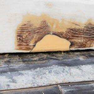 Loch Füllen mit Holzspachtelmasse